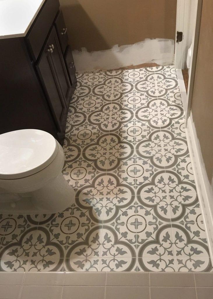 Floral flooring tile